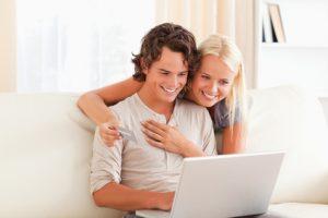Kredite online holen und Geld sparen